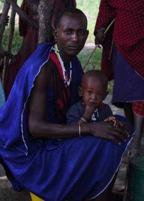 Maasai man and child, Tanazia ©KathyWestStudios