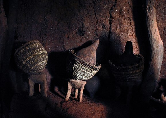 Gourds in baskets, Tanzania ©KathyWestStudios